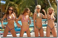 bikinidare-flashing-at-curacao-beach-group