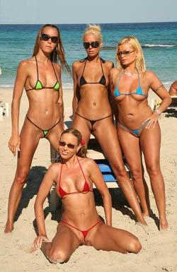bikini_models_going_wild