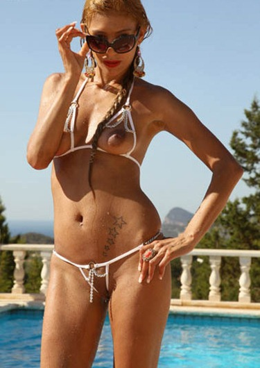 ramona_in_sexy_tiny_strink_bikini